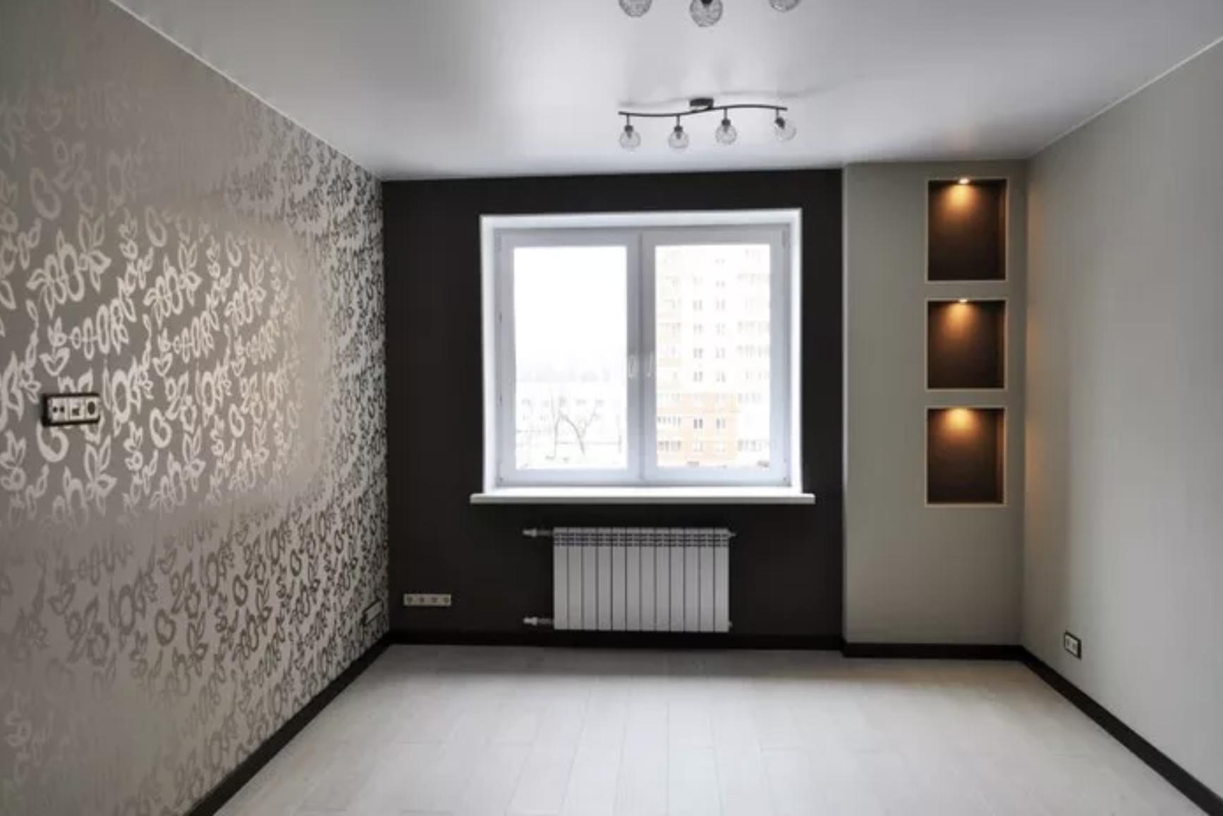 Сатиновый натяжной потолок в спальне в Архангельске