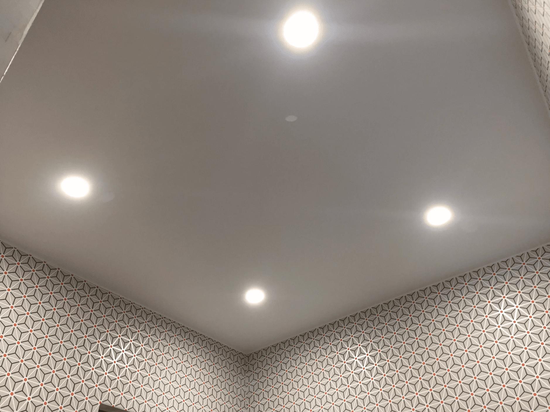 Сатиновый натяжной потолок в Архангельске