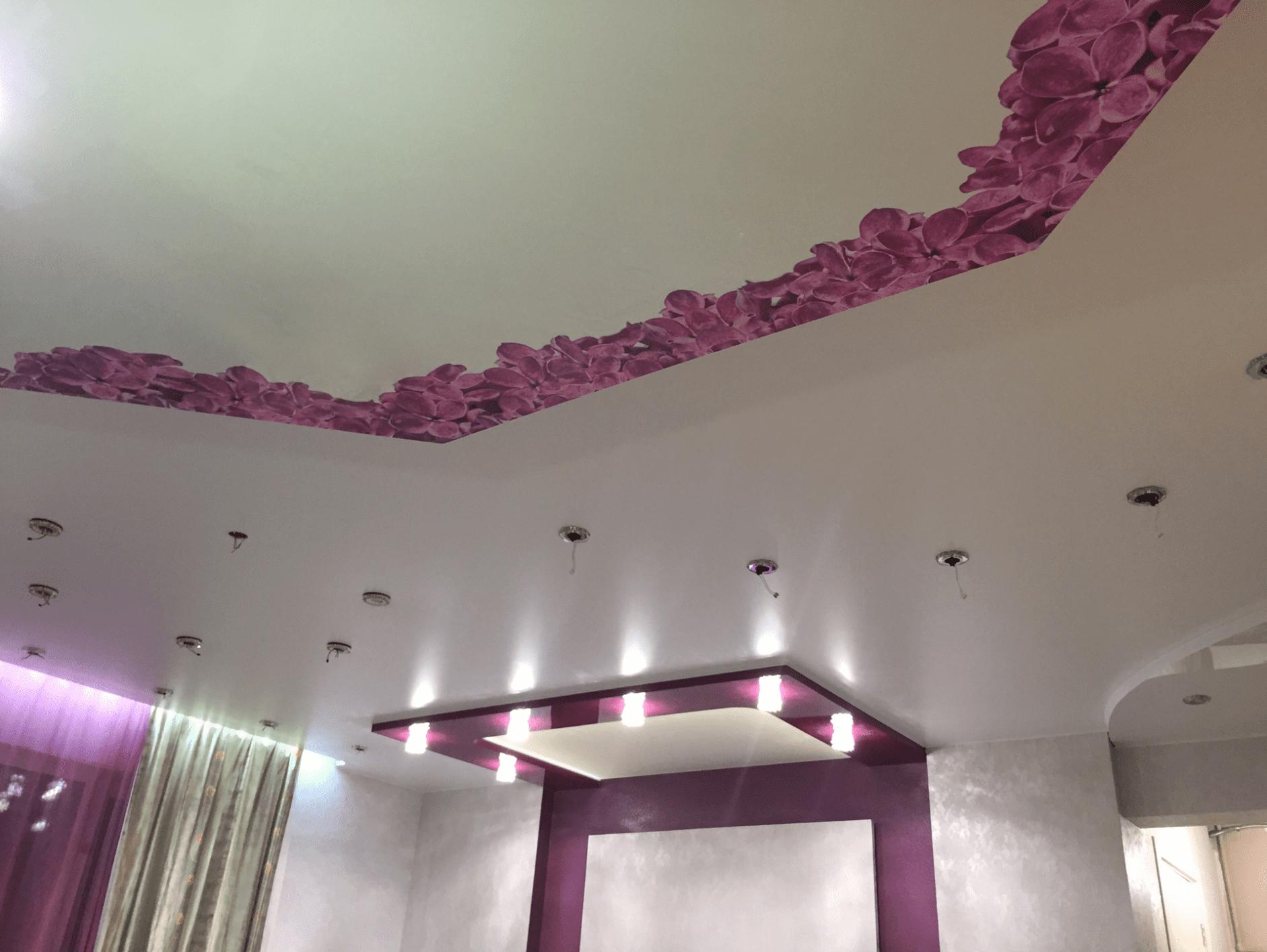 двухуровневый натяжной потолок с фотопечатью в Архангельске