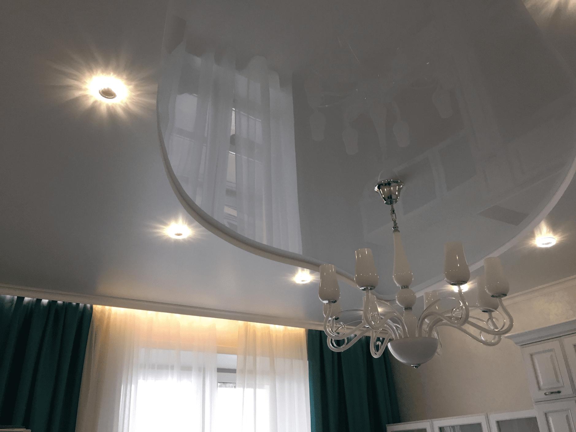 Двухуровневые натяжные потолки в Архангельске с подсветкой