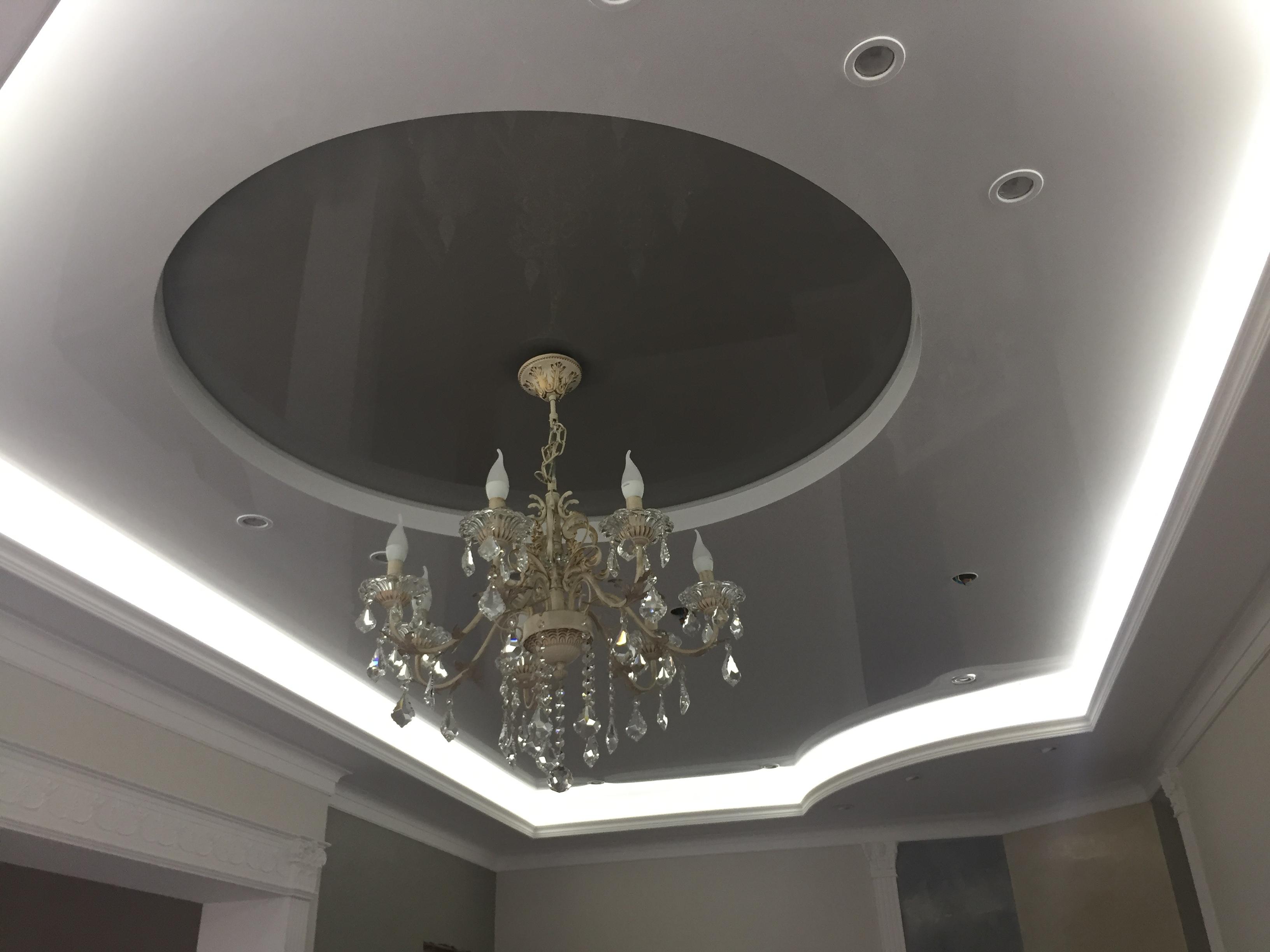 многоуровневый натяжной потолок в Архангельске с подсветкой